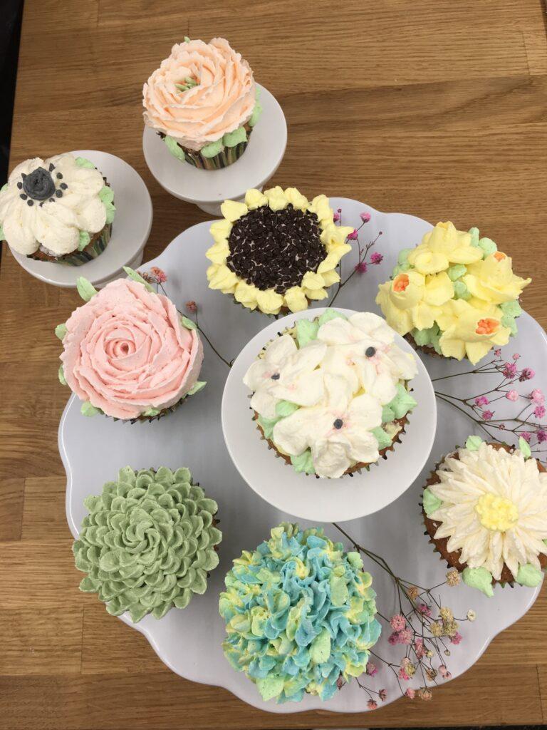 Cupcakes med smørblomster